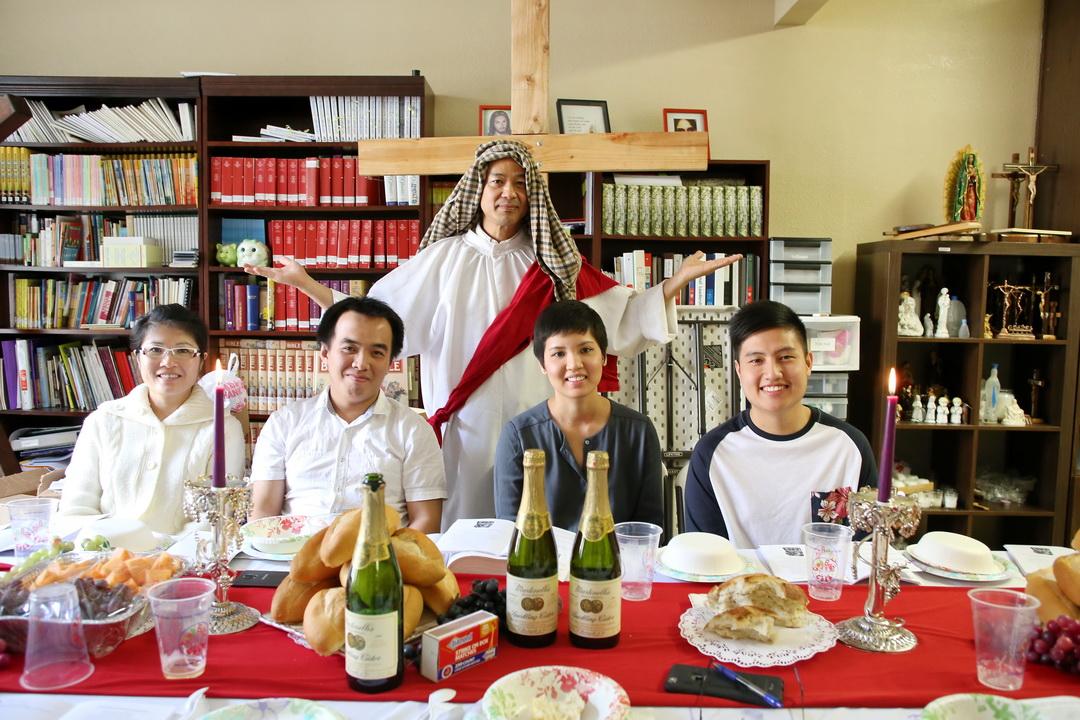 """Bữa Tiệc Ly:  """"Không phải anh em đã chọn Thầy, nhưng chính Thầy đã chọn anh em"""", John 15:16. Tuần Chay Thánh cuối cùng 2015."""