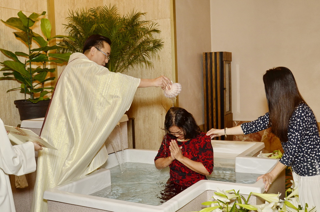 """Thánh Lễ Vọng Phục Sinh.  """"Hãy Nhận lãnh Nước Rửa"""" (#6)"""