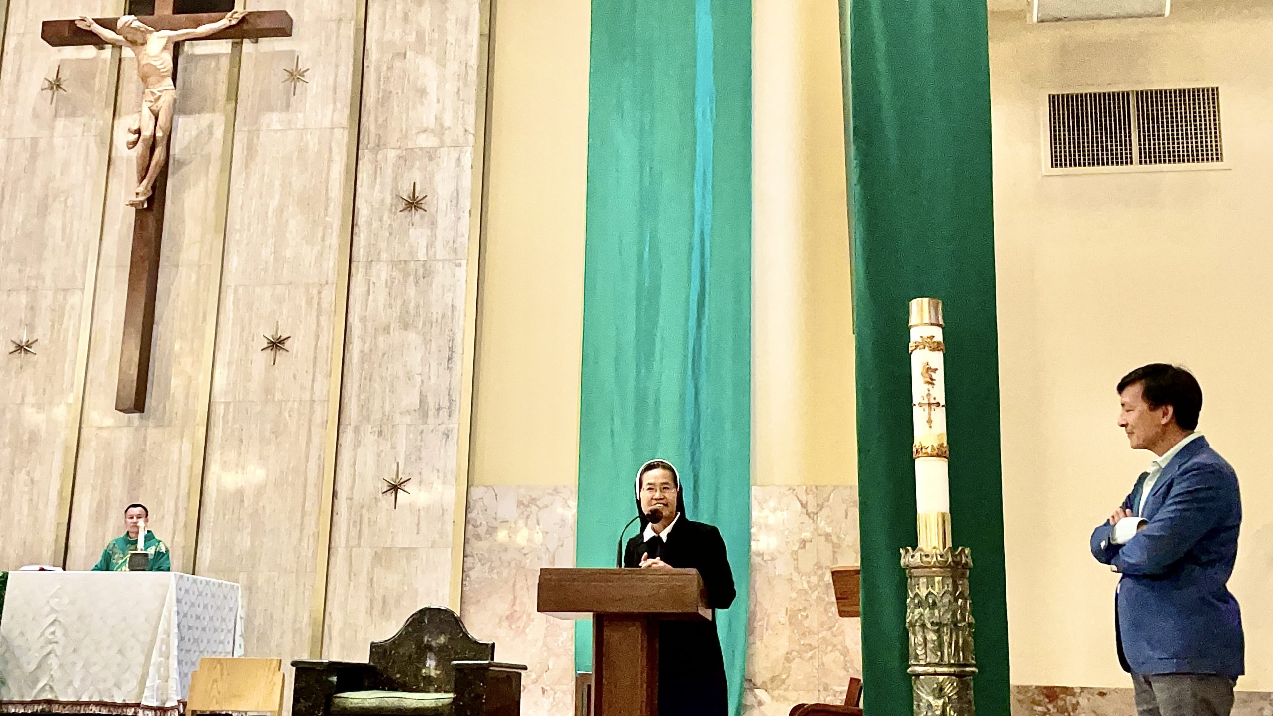 Giới thiệu Soeur Tin Mary Nguyễn với Cộng Đoàn Dân Chúa.